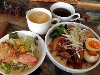 八角風味の豚角煮丼@名古屋かネット